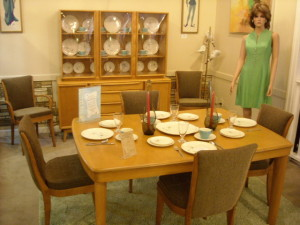 Heywood-Wakefield Dining Room Set