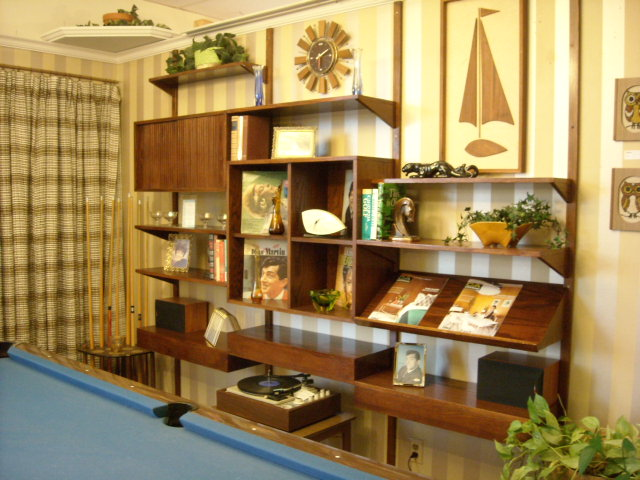Large wall unit